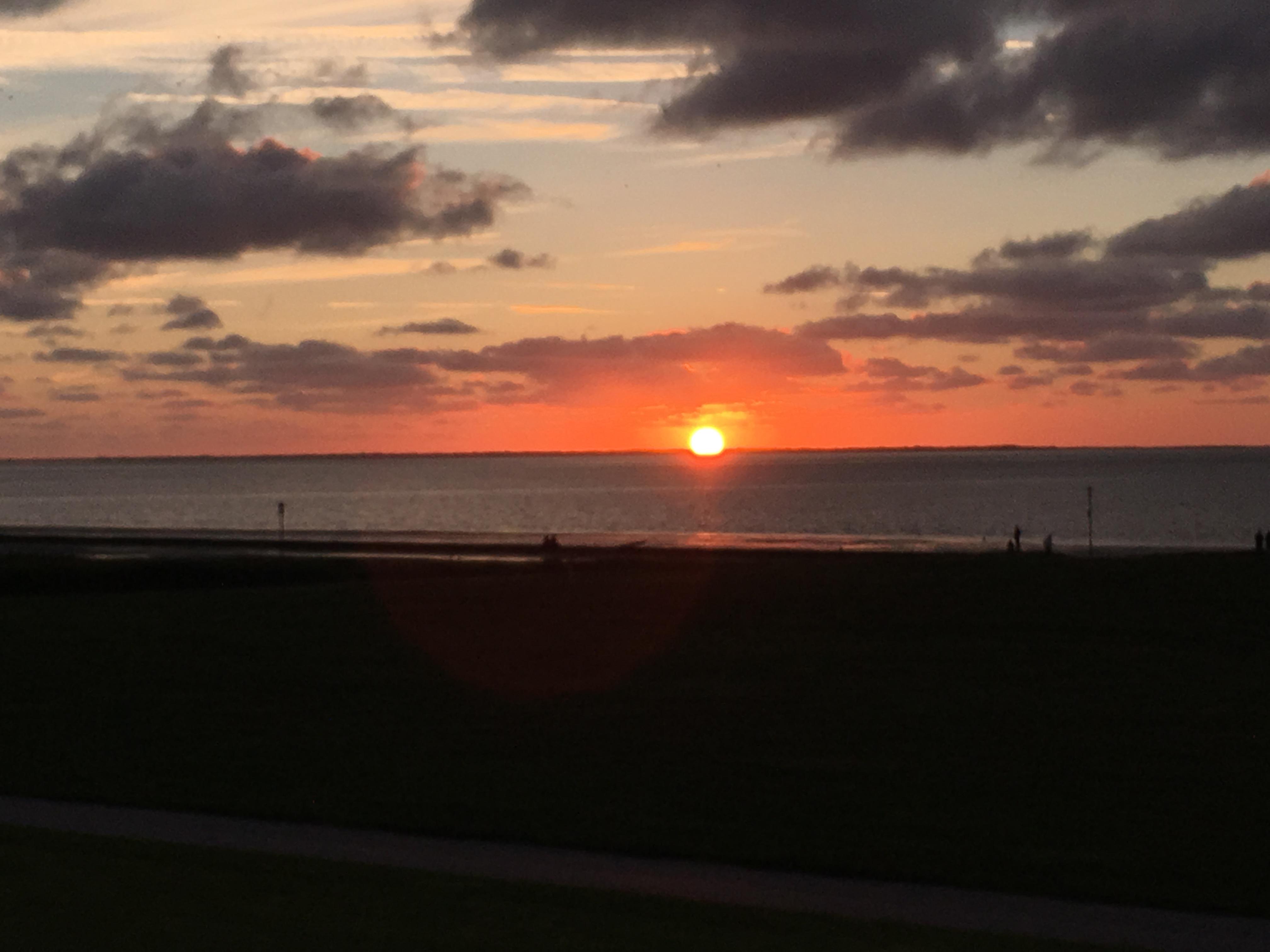 Sonnenuntergang Neuharlingersiel